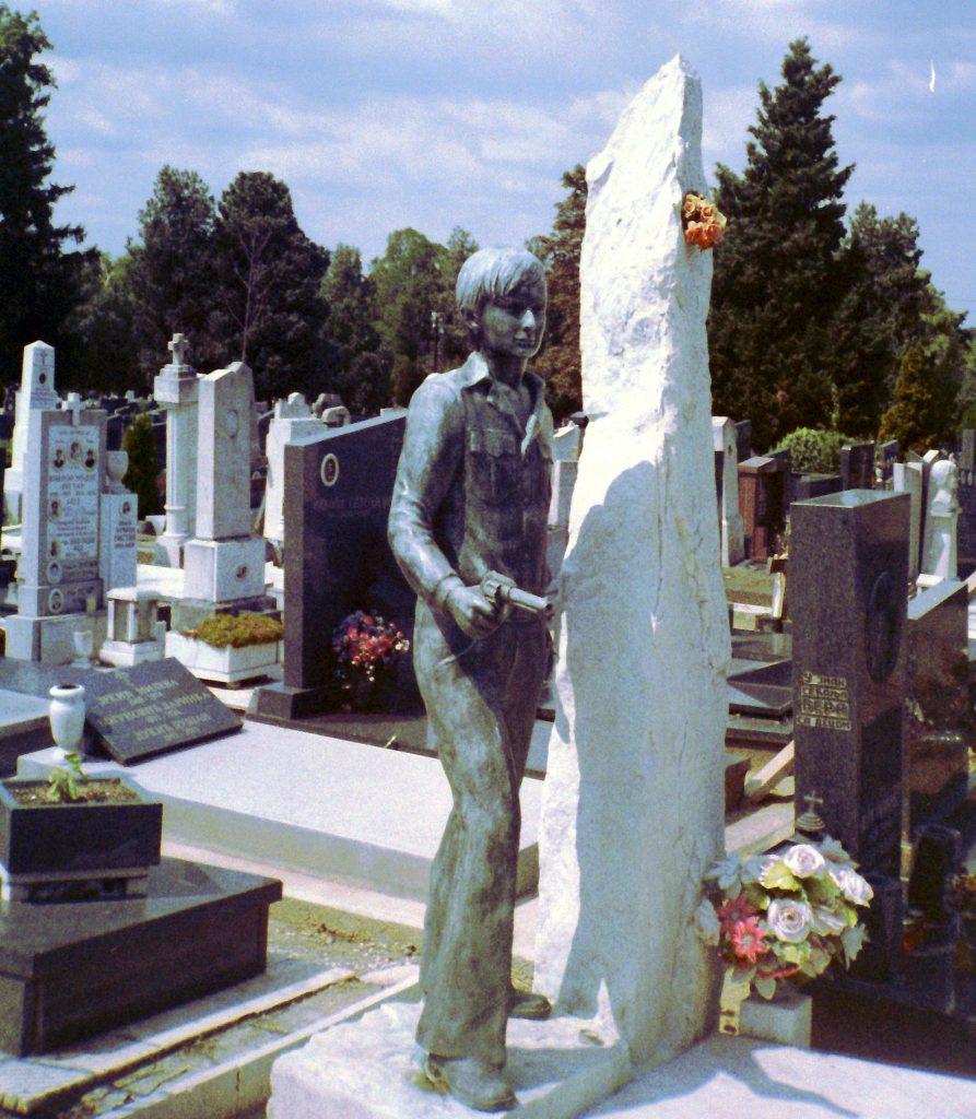 Scultura cimitero Novo Groblje Belgrado